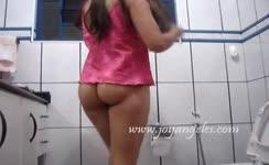 Indian teen gets naked to poop